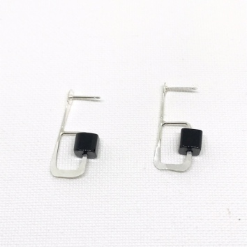 Geometric onyx earrings